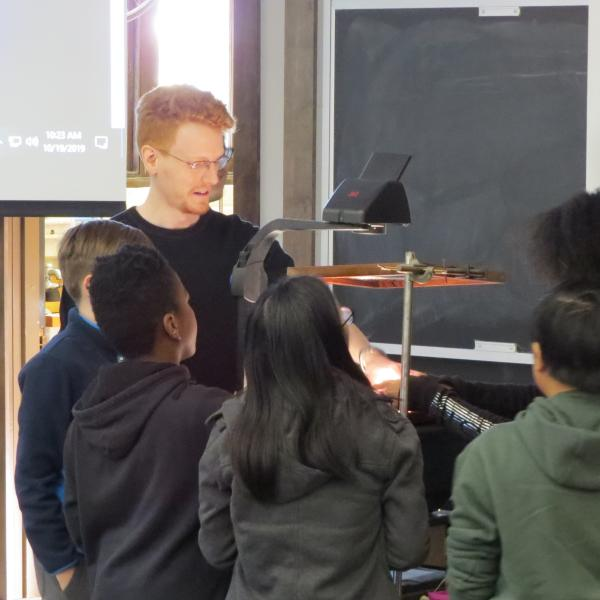 Students learn about mysterious properties of polarized sheets