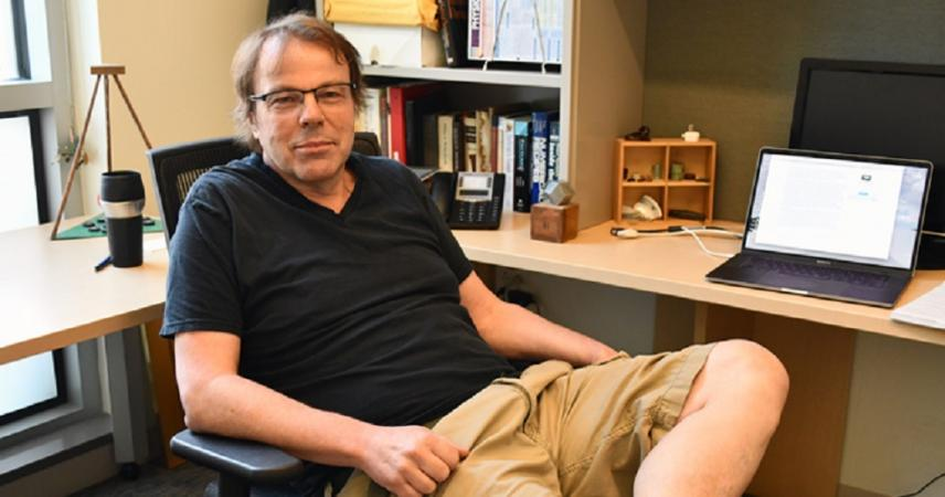 Physics colloquium with Maxim Olchanyi on quantum Chirikov criterion